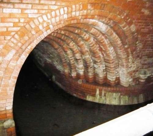 9. třídy v pražském podzemí