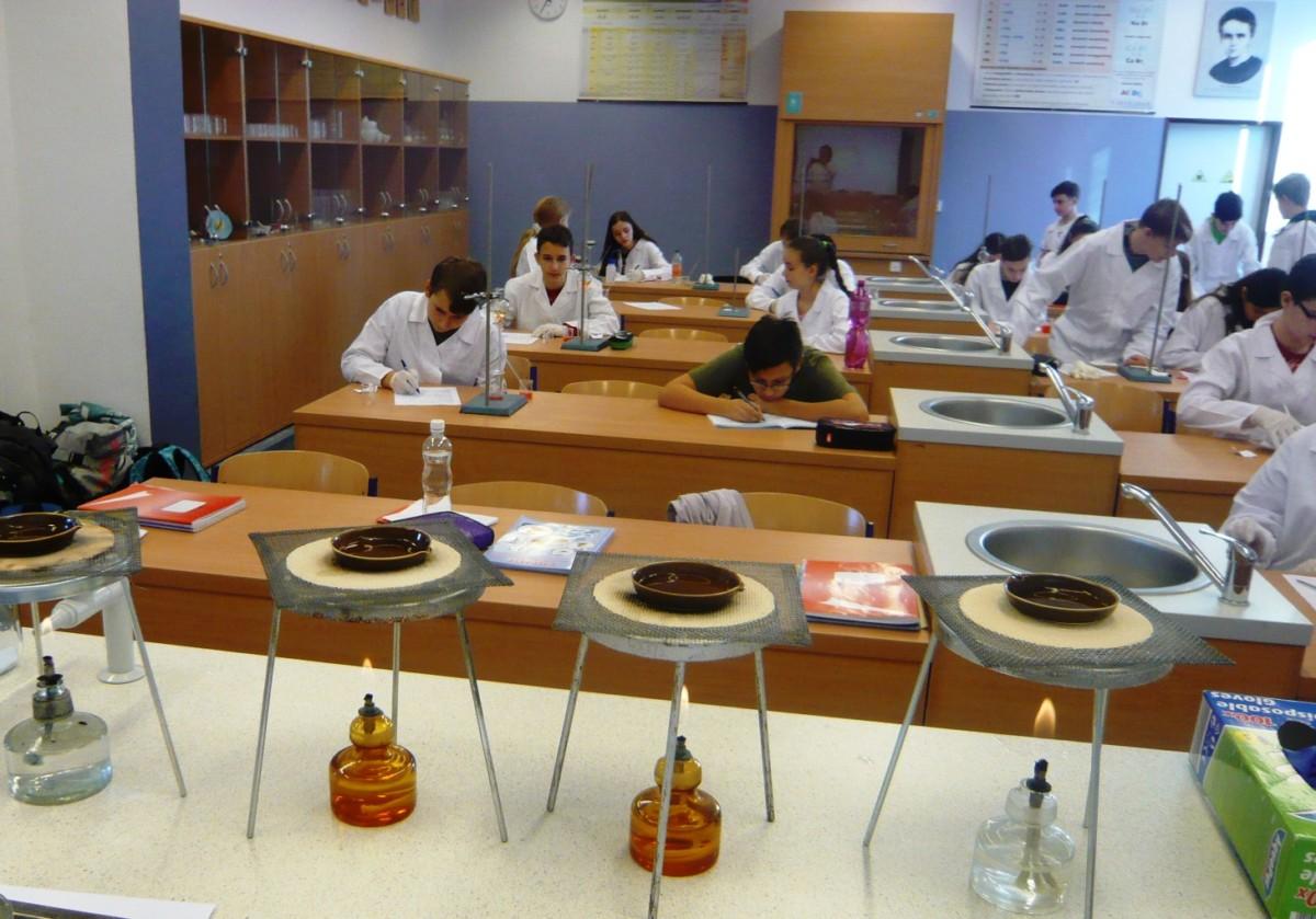 Chemie v 8. a 9. třídách